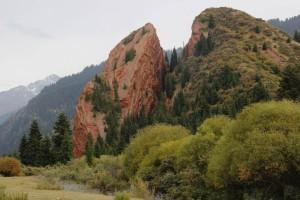 Das Gebroche Herz - der massive Felsen ist unter Einfluss der Witterung auseinandergebrochen