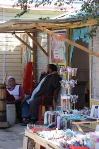 Kumis-Verkäufer, ein traditionelles Getränk aus vergorener Stutenmilch