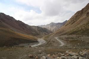 Passstraße im südlichen Tien-Shan-Gebirge